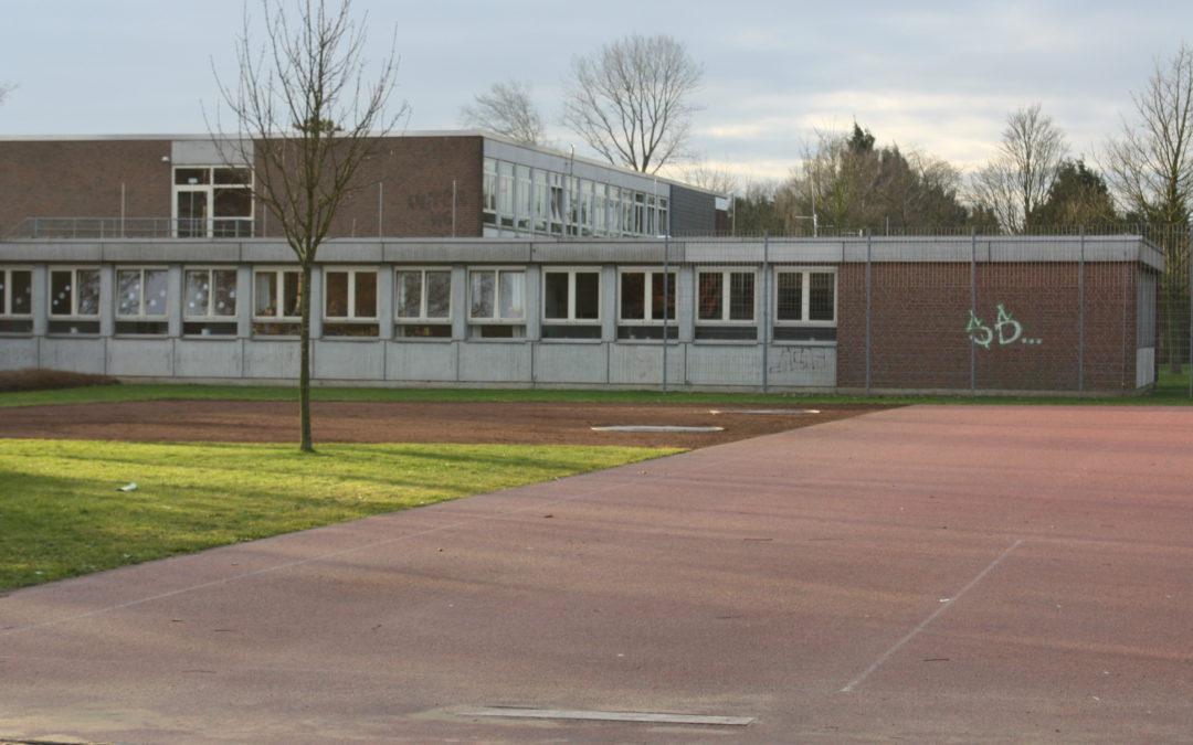 Schadstoffe im alten Hauptschul-Gebäude: Umzug der Realschule in Geldern auf der Kippe (RP vom 06.11.2019)